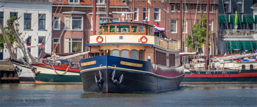 De Veerman van Kampen op de IJssel.